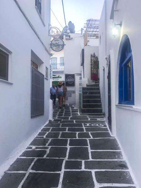 street in chora ios